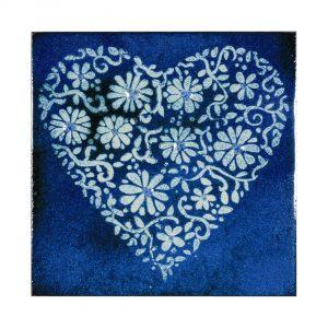Enamel heart by Jeanette Hannaby enamel artis